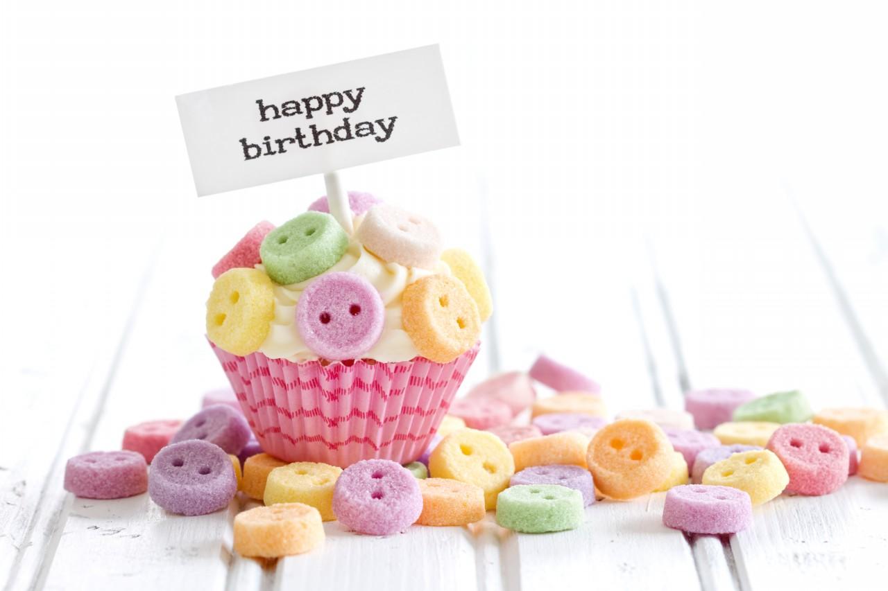 Открытки для, открытка с днем рождения пирожное